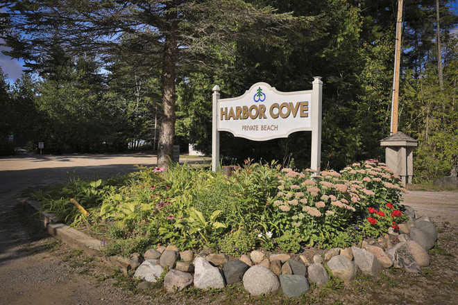 Harbor Cove Condominiums Beach