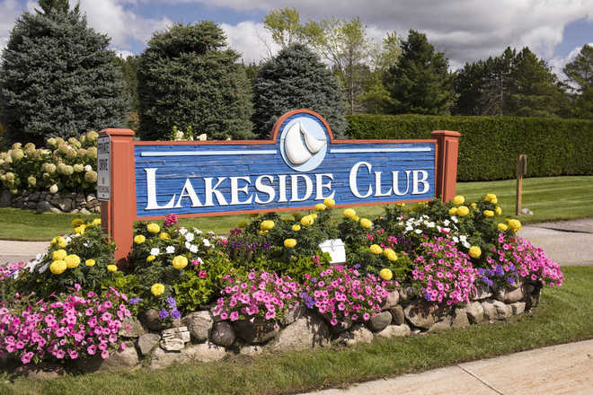 Lakeside Club Condominium Entry