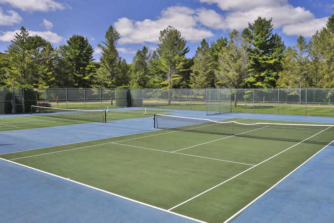 Lakeside Club Condominium Tennis Courts