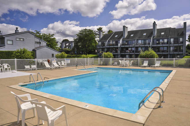 Tannery Creek Condominiums Pool
