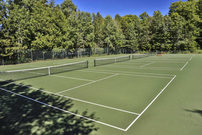 Trout Creek Condominiums Tennis Courts